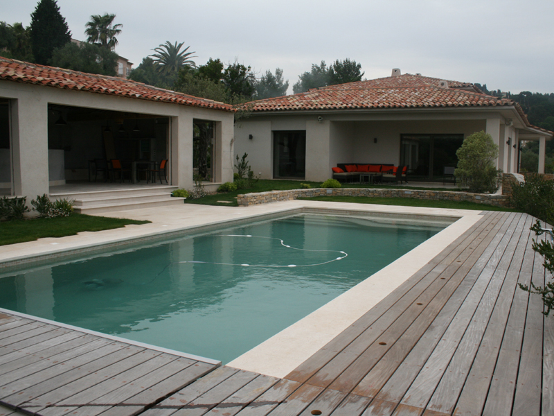 Piscine la seyne sur mer toulon sanary sur mer 83 var for Piscine six fours